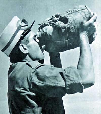1re CSPL - 1 CSPL - drinking legionnaire