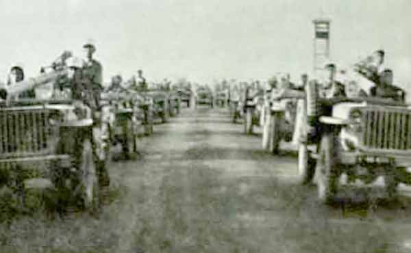 Reconnaissance Squadron of 1er REP parade in Blida in November 1956