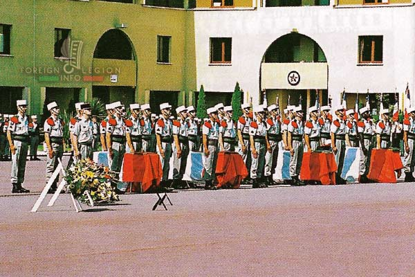 4e RE: 5 killed legionnaires in August 2000 - the ceremony on August 16