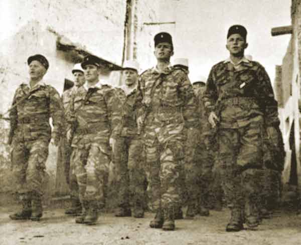 1st Squadron of the 2e REC working at the new camp in Sidi-Okba February 1962