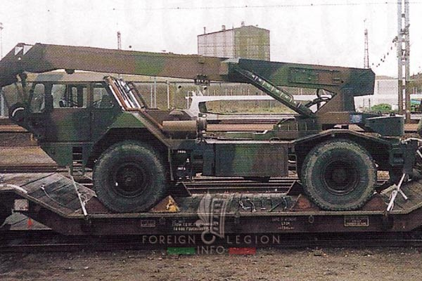 2e REG - 2 REG - Foreign Legion Etrangere - 1999 - Engineer Company - Compagnie de Genie - Vehicle - Train
