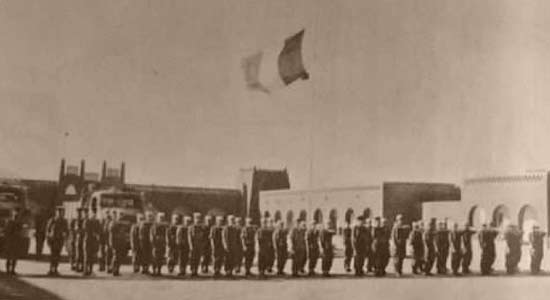 6th Motorized Company - 6e Compagnie portée - 6e CP - of 4e REI paying tribute to killed President Kennedy in Adrar 1963