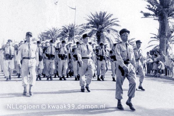 6e REI - 6 REI - Legion Etrangere - Defile - annees 1950 - Tunisie