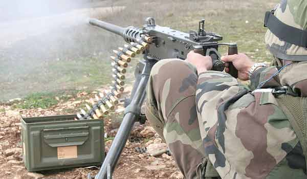 Legionnaire of the 2e REI using the M2 Browning 12,7
