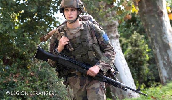 2e REP's Legionnaire - FN Herstal MAG 58 Machine Gun