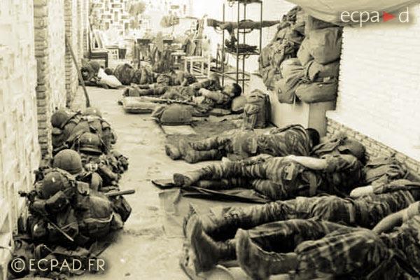 2 REP - Battle of Kolwezi - 1978 - Kolwezi - Legionnaires - Hotel Impala