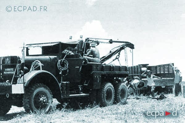 2e CMRLE - 2 CMRLE - Repair Company - 1953 - Mack - wrecker truck - Indochina