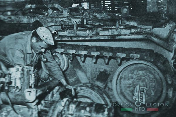 2e CREBLE - 2 CREBLE - Armored Vehicles Repair Company - 1954 - Hai Phong - workshop - Indochina