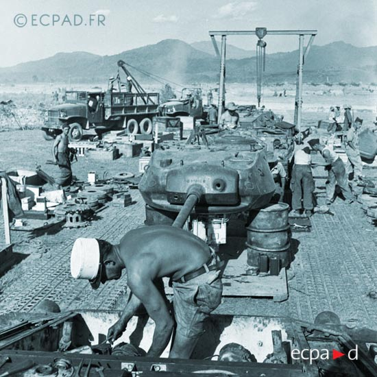 2e CREBLE - 2 CREBLE - Armored Vehicles Repair Company - 1954 - M 24 Chaffee - Dien Bien Phu - Indochina