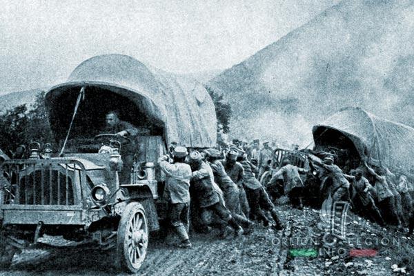 Bataillon de Légion - Orient - Legion Etrangere - camions - Zouaves - vers Florina - 1916