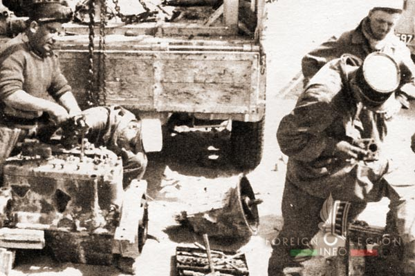 PRLE 2 - Réparation - AM-M8 - Algerie - Légion Etrangère